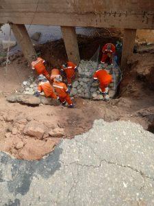 Viales trabajando en la ruta 34 en Jujuy en medio de la pandemia