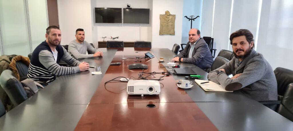 La reunión de Aeronavegantes este lunes, en las oficinas de la gerencia de Aerolíneas en Aeroparque